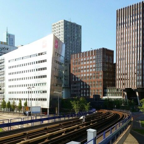 Metrostation Rijnhaven [D, E] in Rotterdam, Zuid-Holland