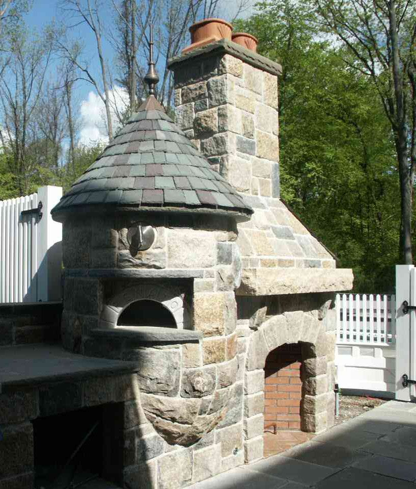 Great Outdoor Kitchen Complete With Pizza Oven: I Love The Look Of This Outdoor Fireplace/grill/pizza Oven