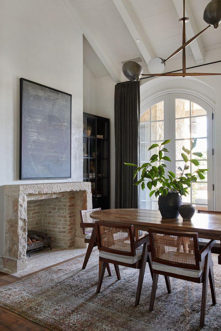 #diningtable #diningroom #fireplace