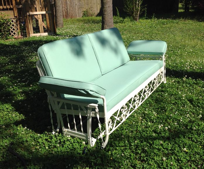 Vintage Metal Furniture Idea To Make Cushions For Metal Frame Vintage Outdoor Furniture Vintage Porch Vintage Patio