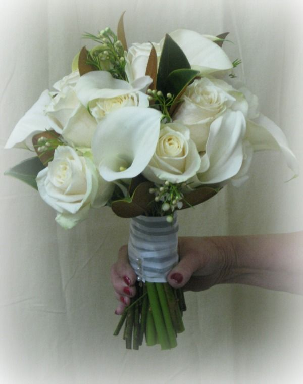 White Calla Lily And Rose Bouquet Lily Bouquet Wedding White