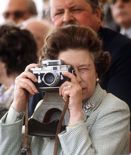 ❥ The Queen's Leica~