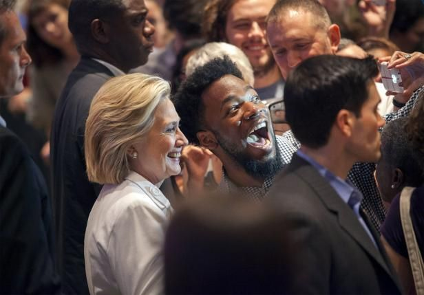 Awesome pic from earlier today in North Charleston with @HillaryClinton (@Reuters photo)