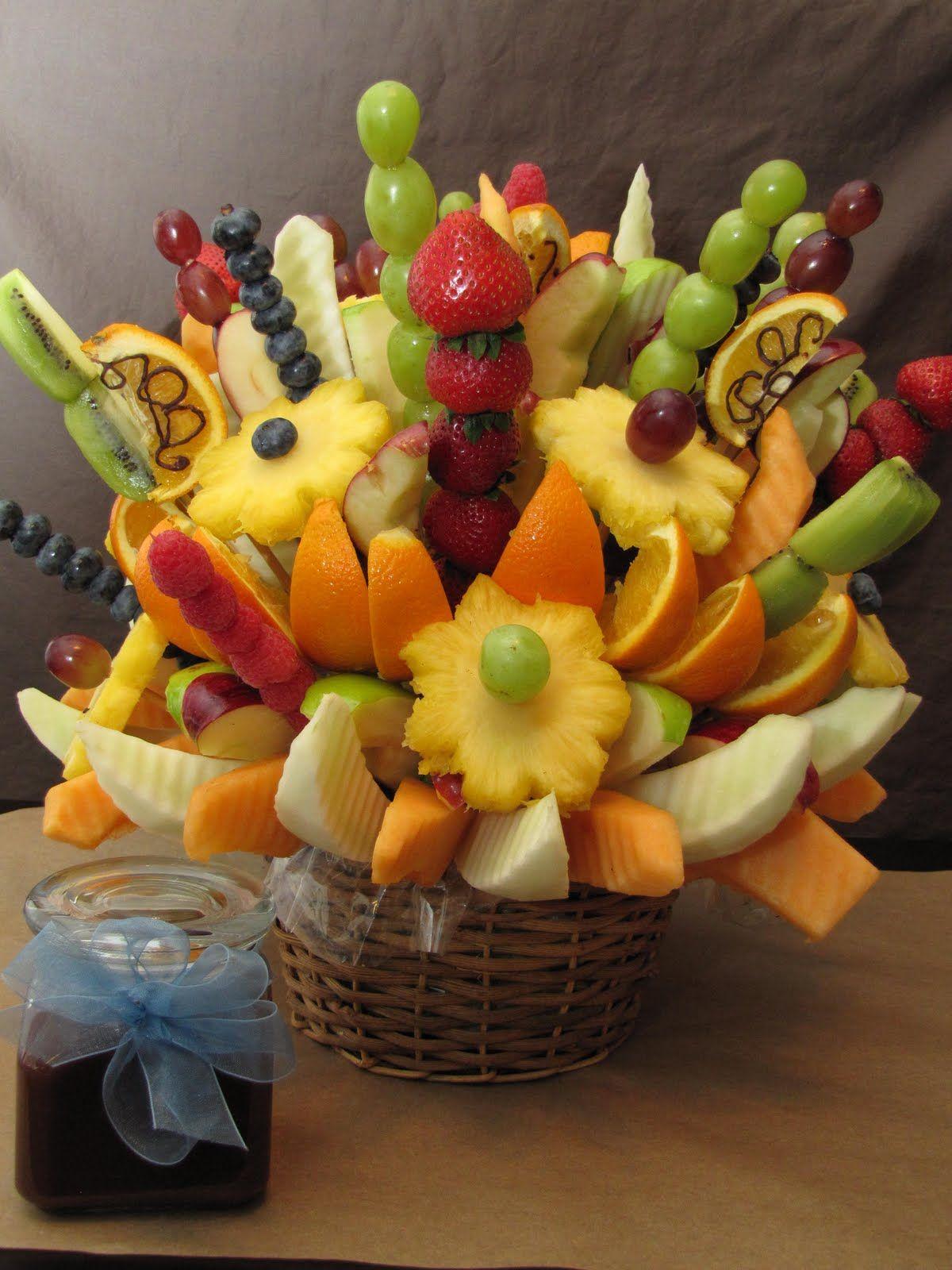 Fruit centrepieces instead of flowers wedding ideas pinterest fruit centrepieces instead of flowers fruit centerpieces fruit arrangements centrepieces food bouquet izmirmasajfo