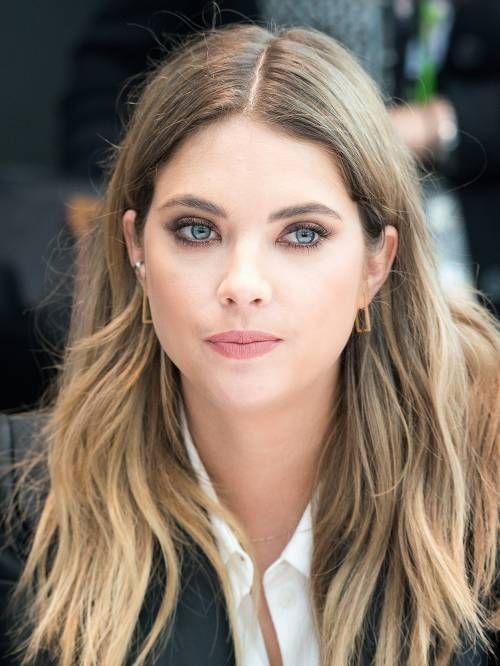 Ashley benson l 39 actrice de pretty little liars passe au for Coupe de cheveux hanna pretty little liars