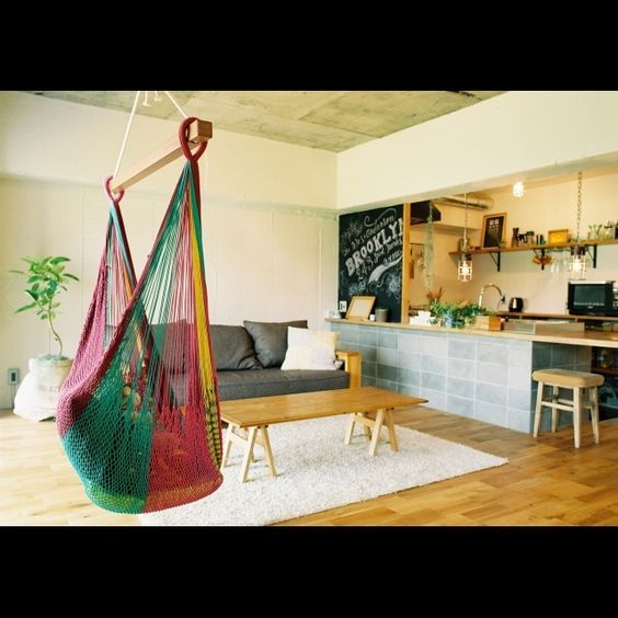 ハンモック 室内部屋のインテリアの実例7例 設置でおしゃれ感が倍増