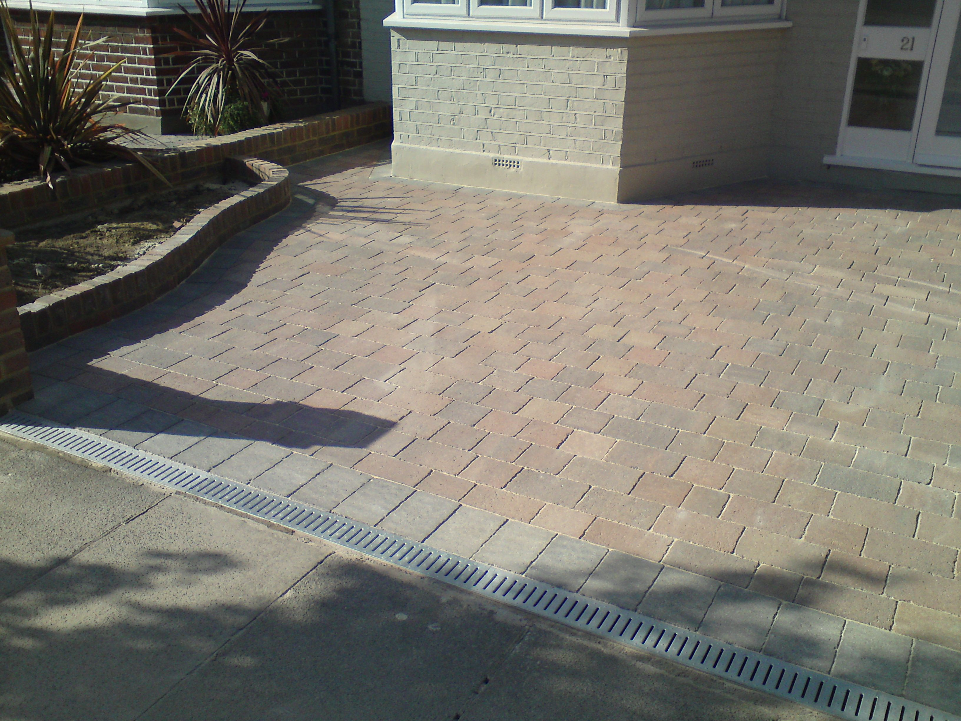 marshalls drivesett tegula traditional block paving. Black Bedroom Furniture Sets. Home Design Ideas