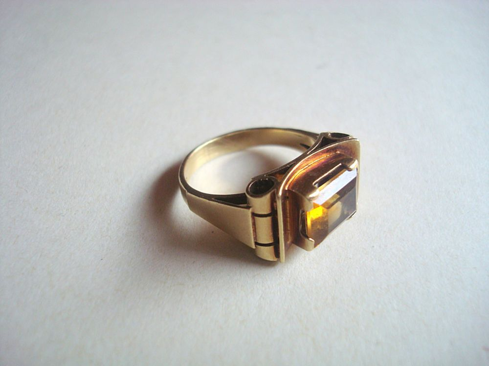 Klassischer Damen Ring Gold 585 orange farbend Stein Art alt