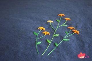 여름에 피는 예쁜 맨드라미 꽃을 수 놓았다. . #맨드라미 #꽃타그램 #꽃 #여름꽃 #꽃 #프랑스자수 #자수 #자수타그램 #핑크뽕 #야생화자수