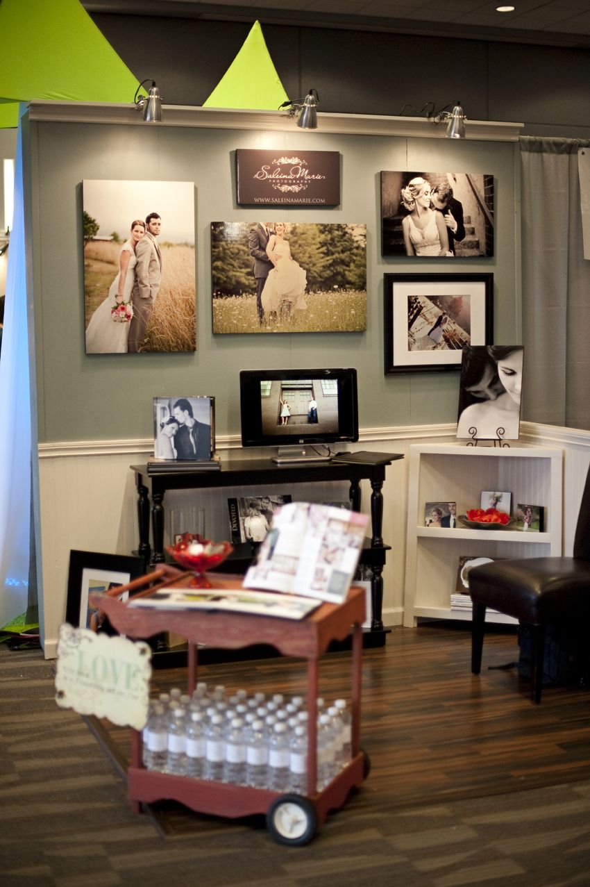 Saleina Marie Photography booth at the West Sound Wedding Show. Photo by Saleina Marie Photography.