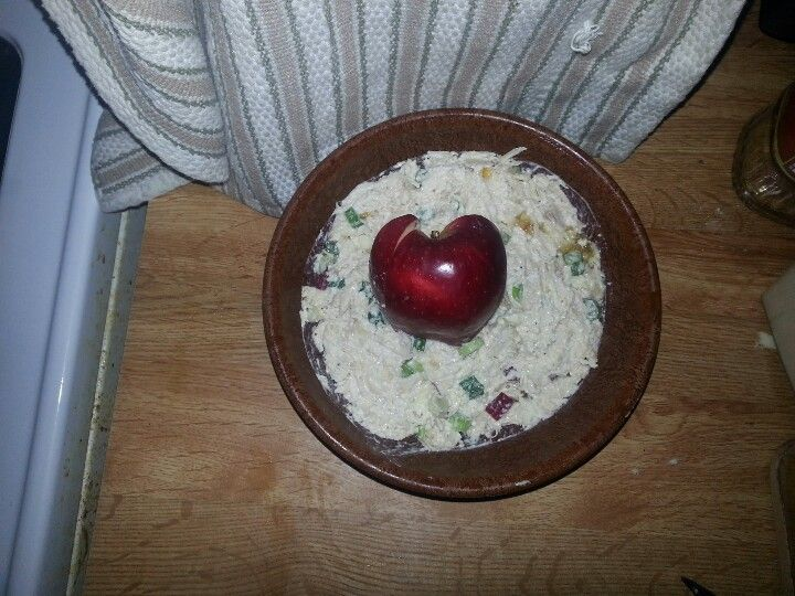 Apple chicken salad. 3boneless skinless chicken breasts boiled in water with salt, pepper, cilantro boullion, 3cloves garlic crushed. Shred chicken add green onion chopped apple mayo and 1tbsp orange marmalade mix and enjoy.