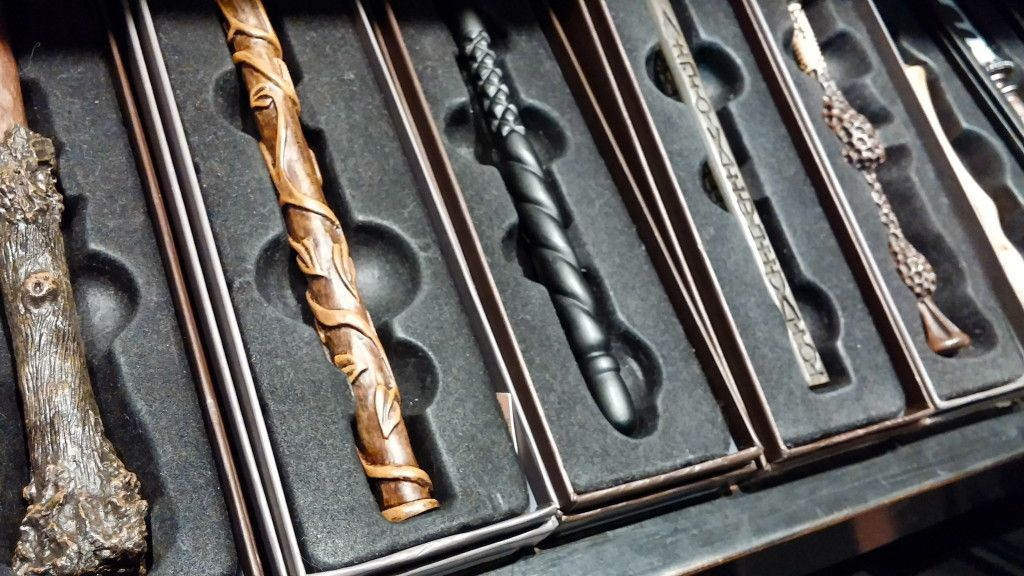Wizarding World Of Harry Potter Souvenir Shops Universal Studios Harry Potter Wands Universal Harry Potter Orlando Harry Potter Universal