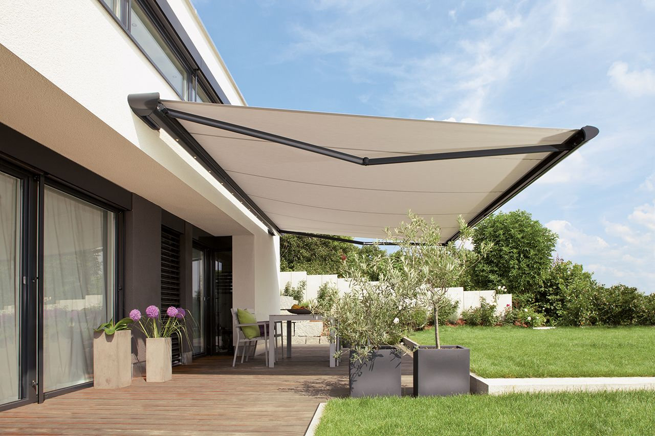 Automatic Folding Arm Awnings Are Designed To Protect Your External Patio From The Elements Shade Your Internal Space And Extend Ar Verandalar Taracalar Bahce