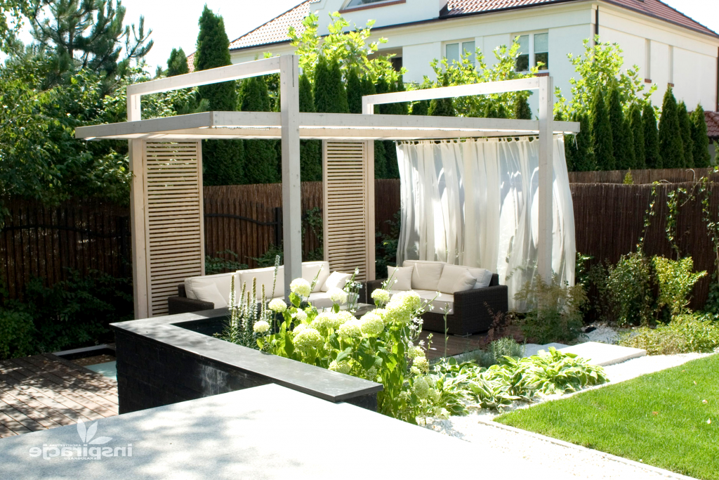 Modern Gazebo Ideas For The Ultimate Beauty Of A Garden Modern