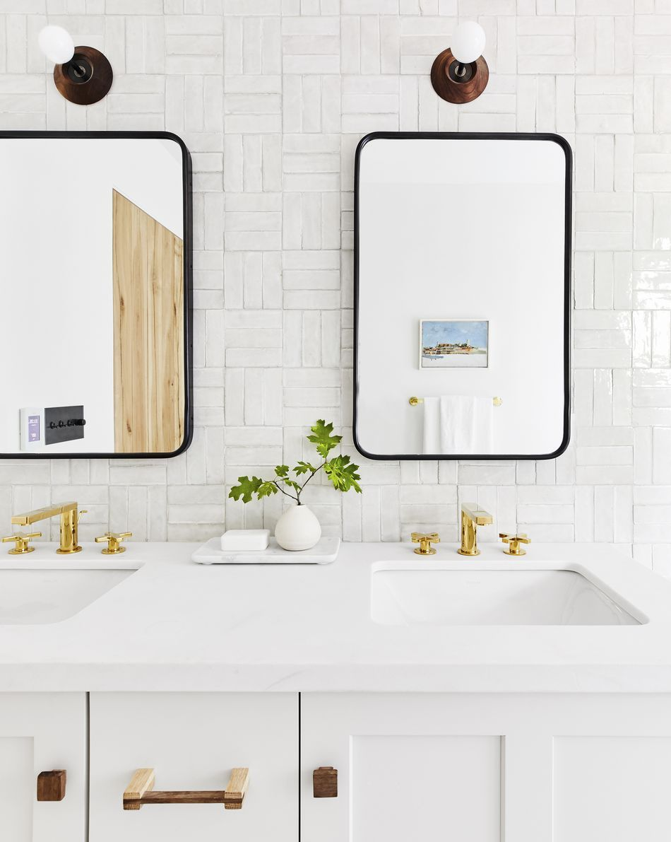 The Right Way To Clean A Mirror Bathroom Tile Inspiration Guest Bathroom Decor Bathroom Inspiration