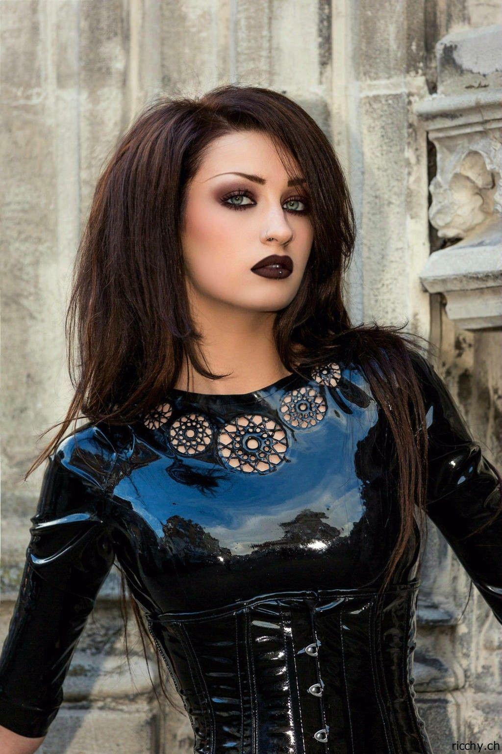 Niky Von Macabre   Goth girls, Goth, Gothic woman