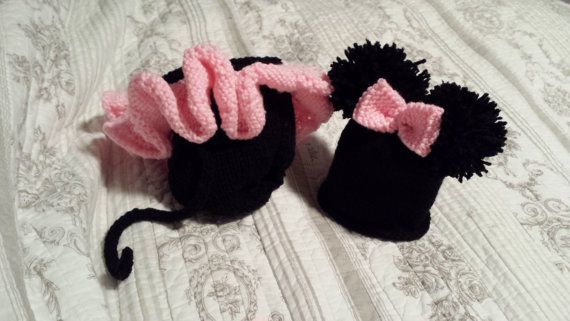 Knitted Minnie Mouse diaper cover and hat set