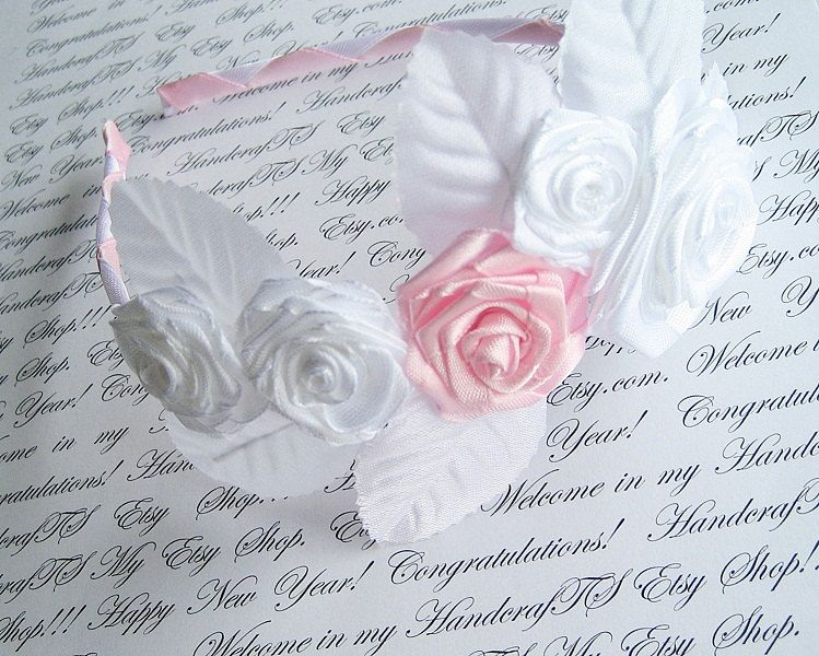 Satin Rose Headband First Communioun Head Piece por HandyCraftTS