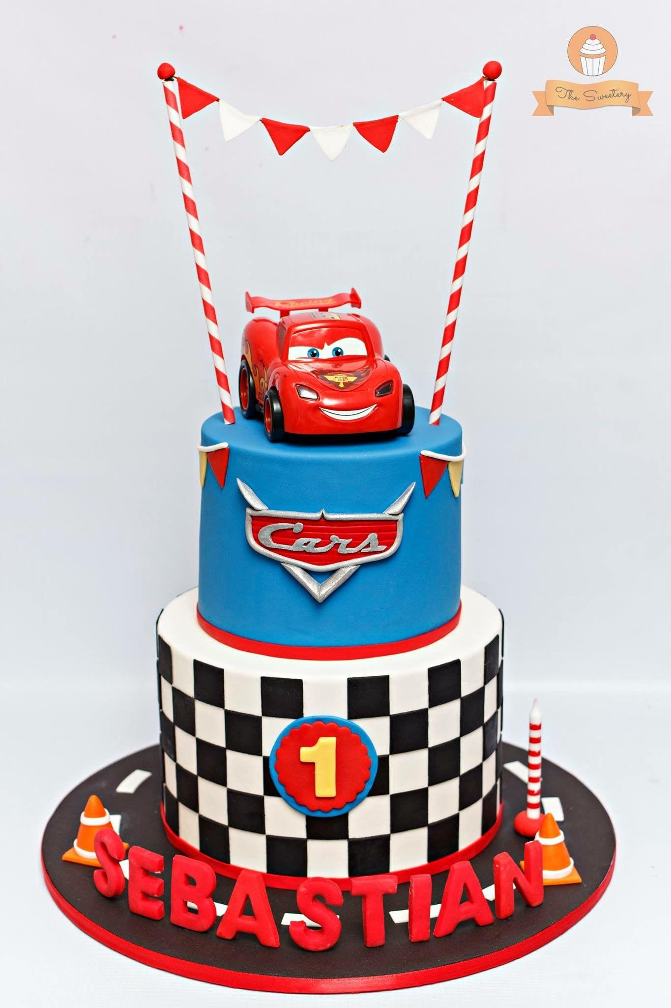 Cars cake Boys 1st birthday cake, Disney cars cake, Cars