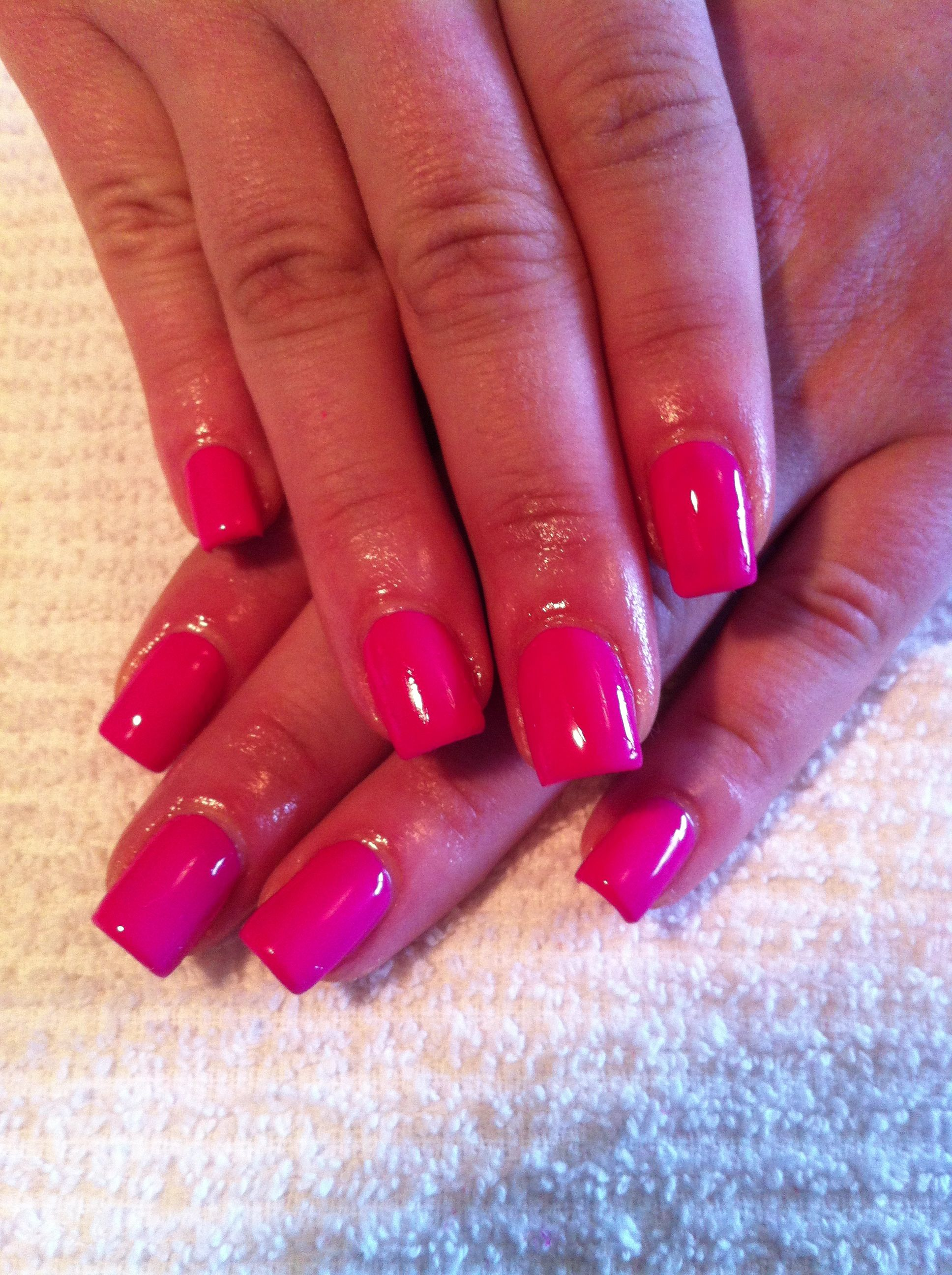 Pretty Shellac Nails: Gels With CND Shellac In Hot Pop Pink