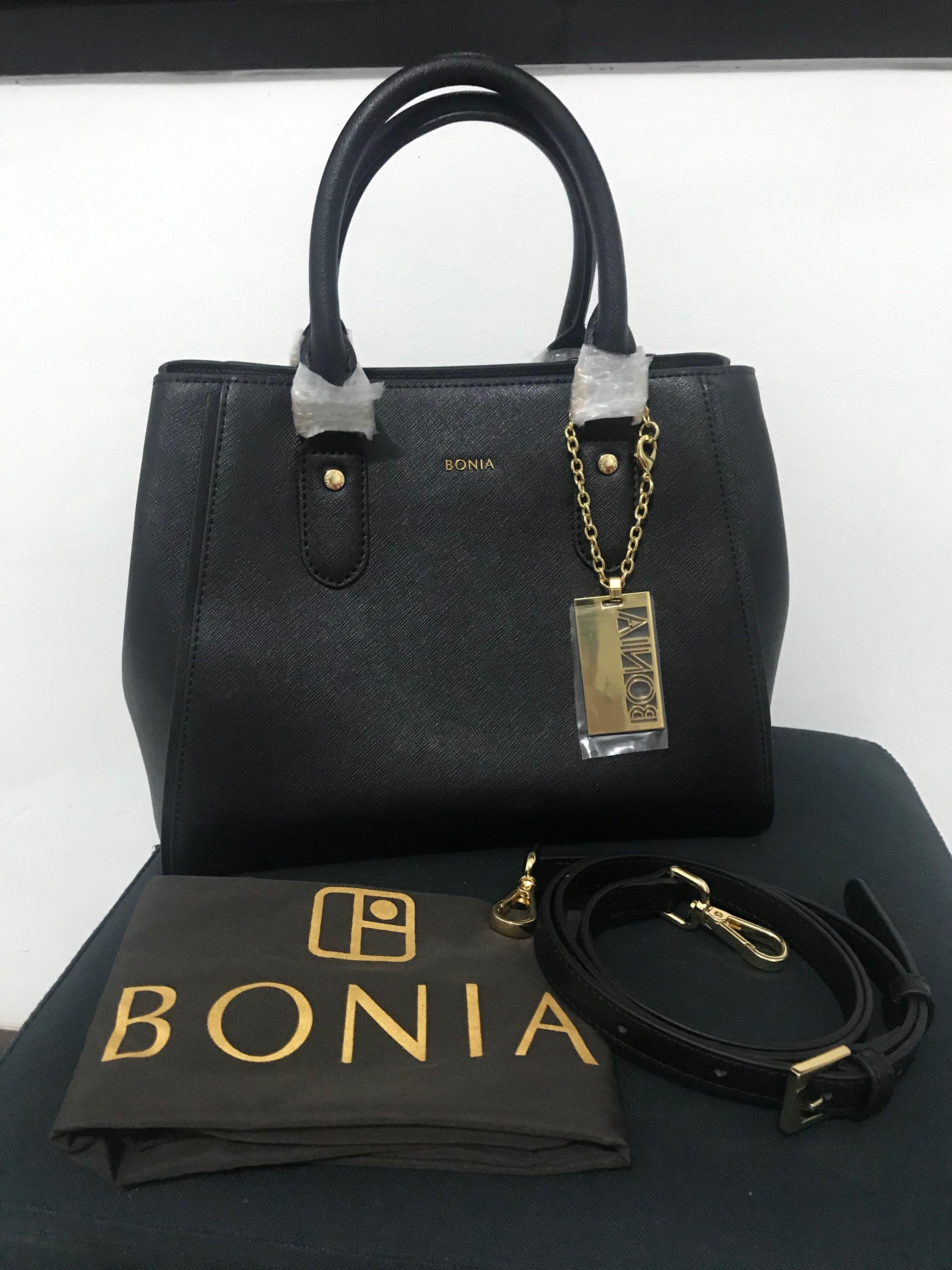 3b352d81d5dd Jual Tas Bonia #JualTasBonia #boniabag #shoulderbag #slingbag #blackbag  #littleblackbag #sling #bag