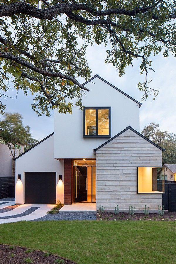Modernes Haus mit Erweiterung und Garage. Die weiße Fassade harmoniert gut mit der …   – Architektur und Kunst