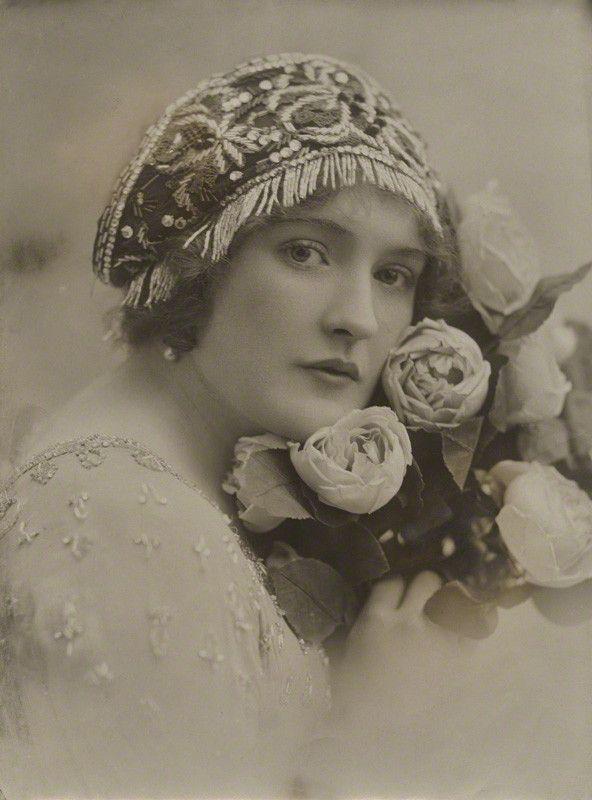 saisonciel   Vintage photos women, Vintage photography ...