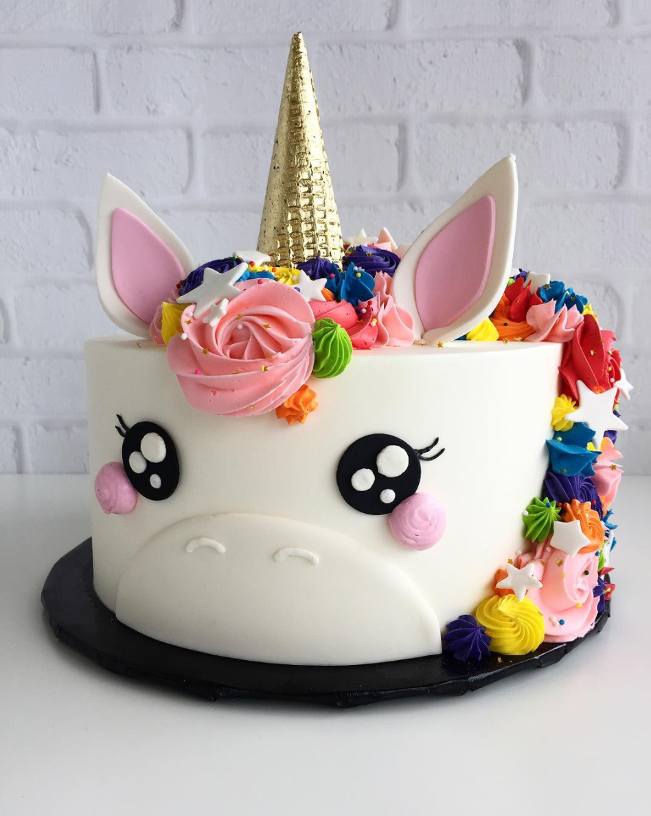 10 Adorable Unicorn Cakes