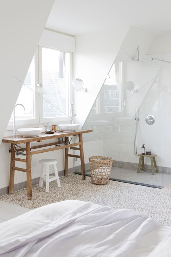 Great solution for an attic to built a extra bedroom bathroom in one interior exterior for Privacy solution between bedroom and bath