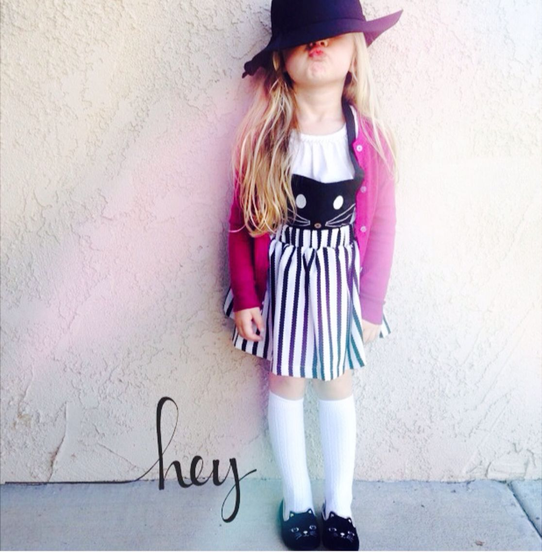 Look at this little dolly all sass'd up in our Kitty Kat Overall dress and blk wool hat! Thanks for sharing @luckyryann326 !! Love it!! Great shot! To order these pieces, visit www.modernechild.com . Free Shipping! #kittydress #blackandwhite #kidsclothes #kidsdress #girlsdress #girlsclothes #woolhat #blk #modelkids #loveourcustomersandtheircutekids #ourcustomershavethecutestkids #modernechild #minime #styles #fashionista #fashion #instakids #instafashion
