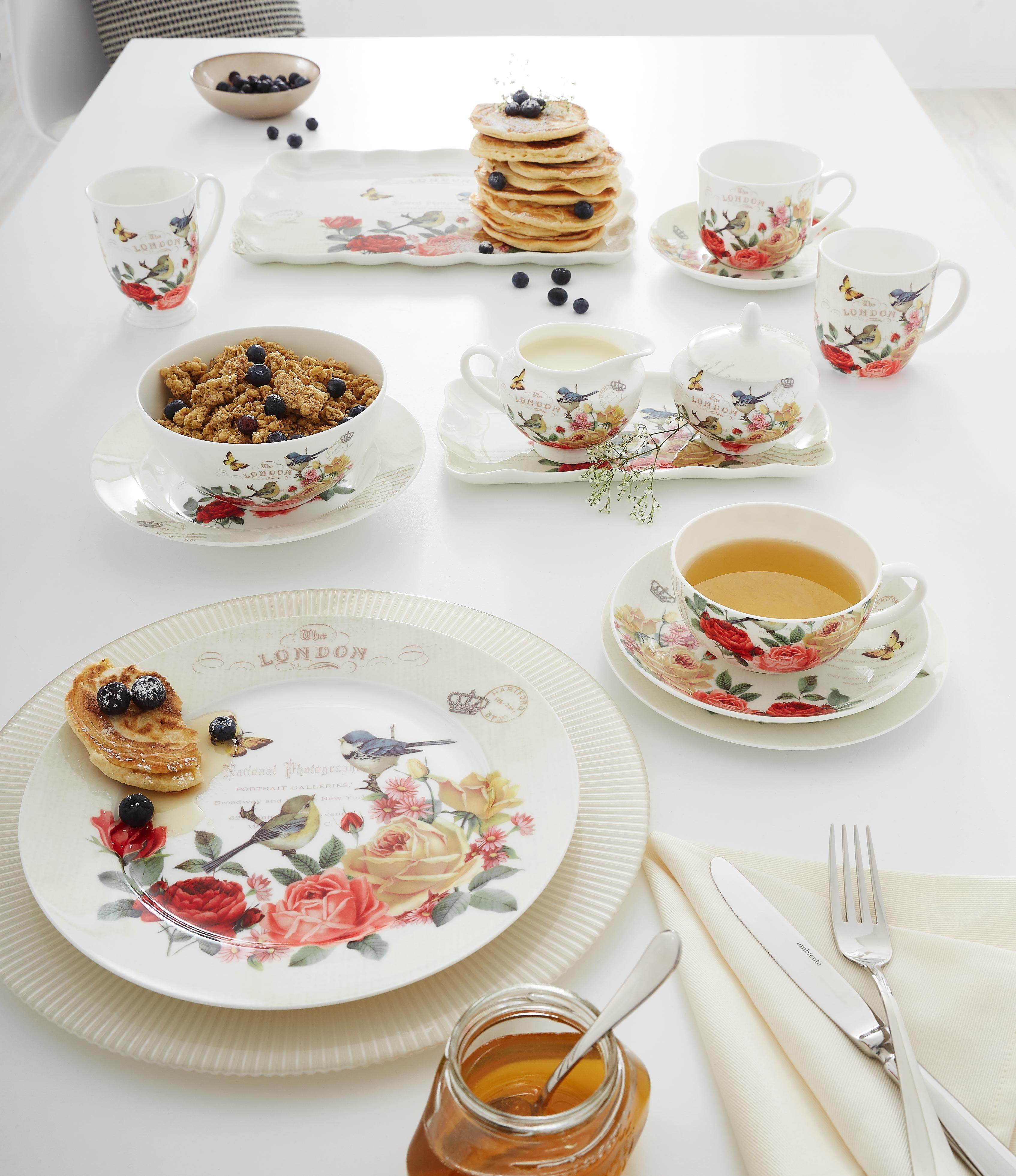 Das Geschirr Set Von Landscape Punktet Mit Seinem Verspielten Blumendekor Die Teller Und Tassen Sind Alle Farblich Aufeinander Geschirrset Geschirr Porzellan