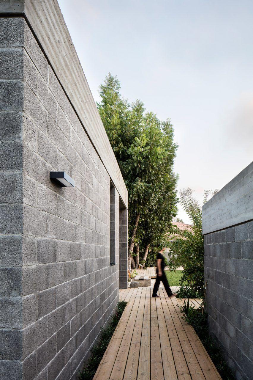 Bare House By Jacobs Yaniv Architects Concrete Houses Cinder Block House Concrete Block Walls