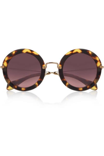 3025580f328ee Click to find the perfect sunglasses for your face shape