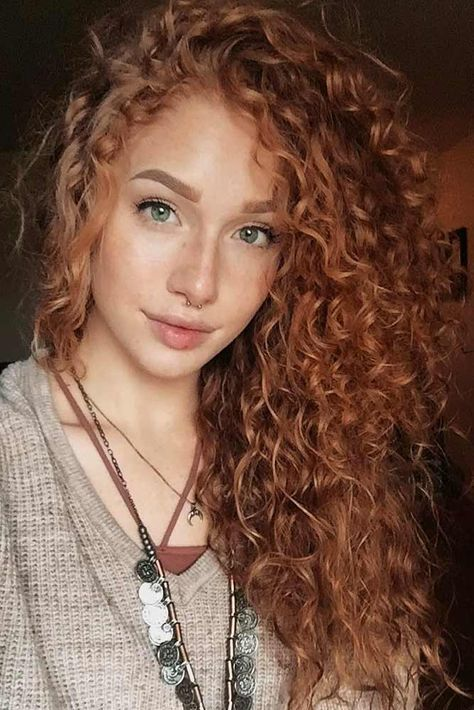 24 Adorable Looks with Curly Hair Cheveux roux bouclés