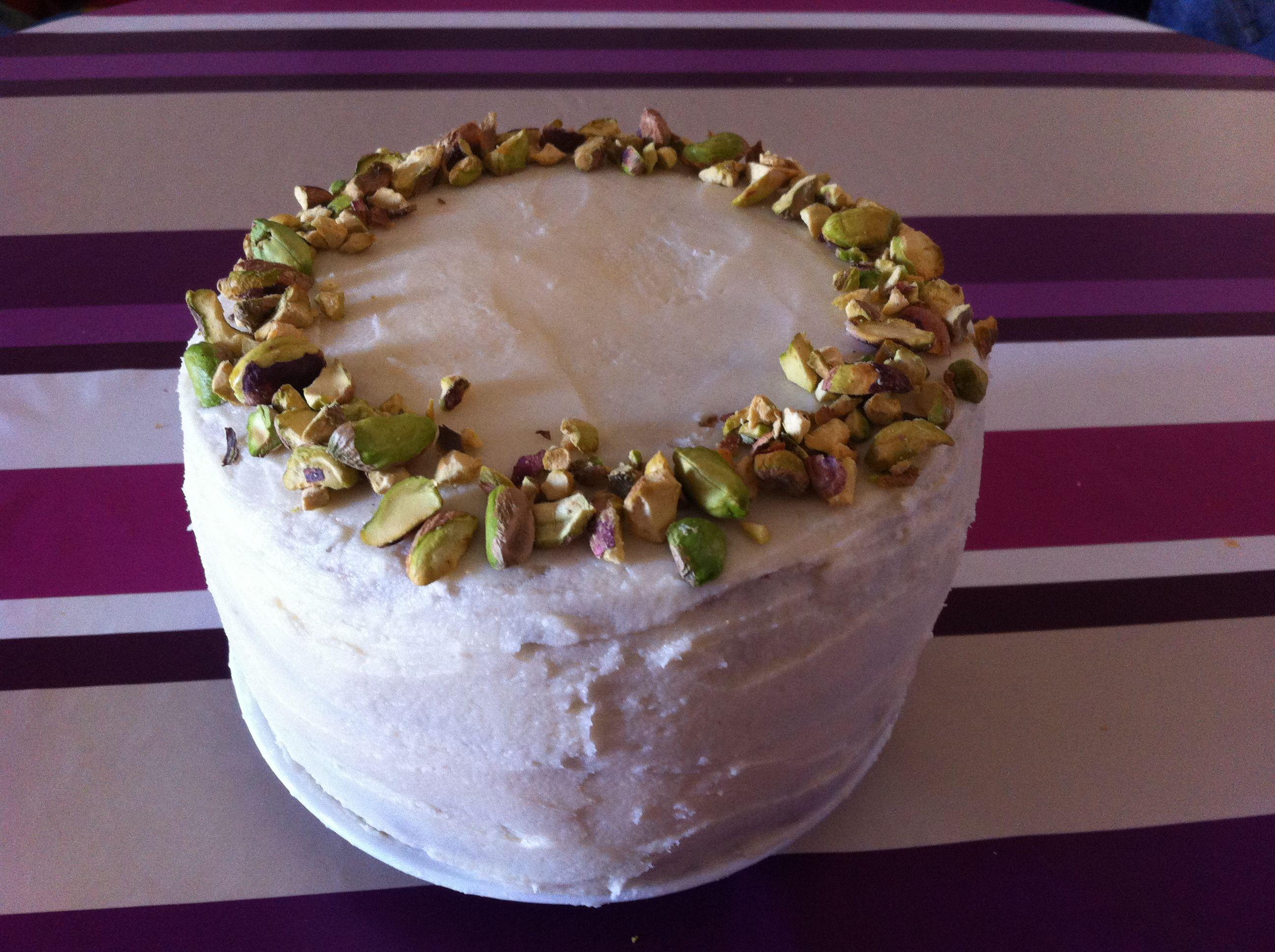 Pistacho layer cake  www.lasendadeldulce.weebly.com