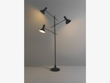 Nyx Black Metal Black 3 Head Metal Floor Lamp Habitatuk Metal Floor Lamps Floor Lamp Lamp