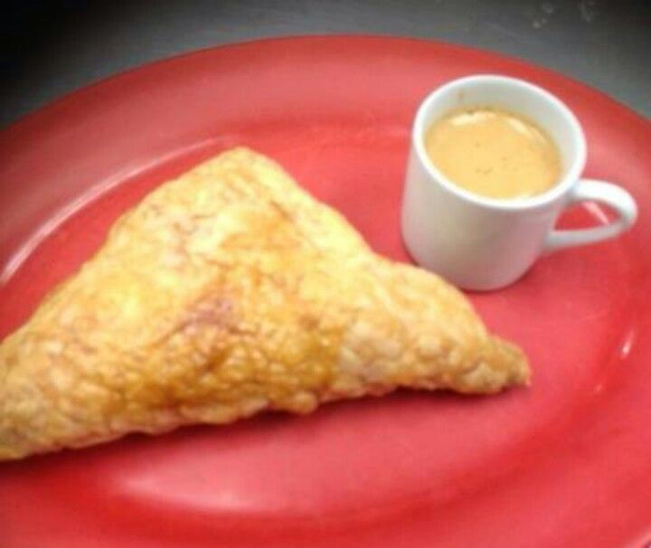 Cafe cubano and pastelito