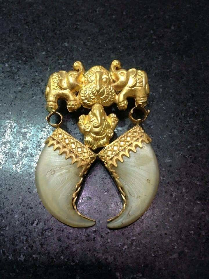 Pin By Jayshree Shah On Jewellery In 2019 Gold Pendent