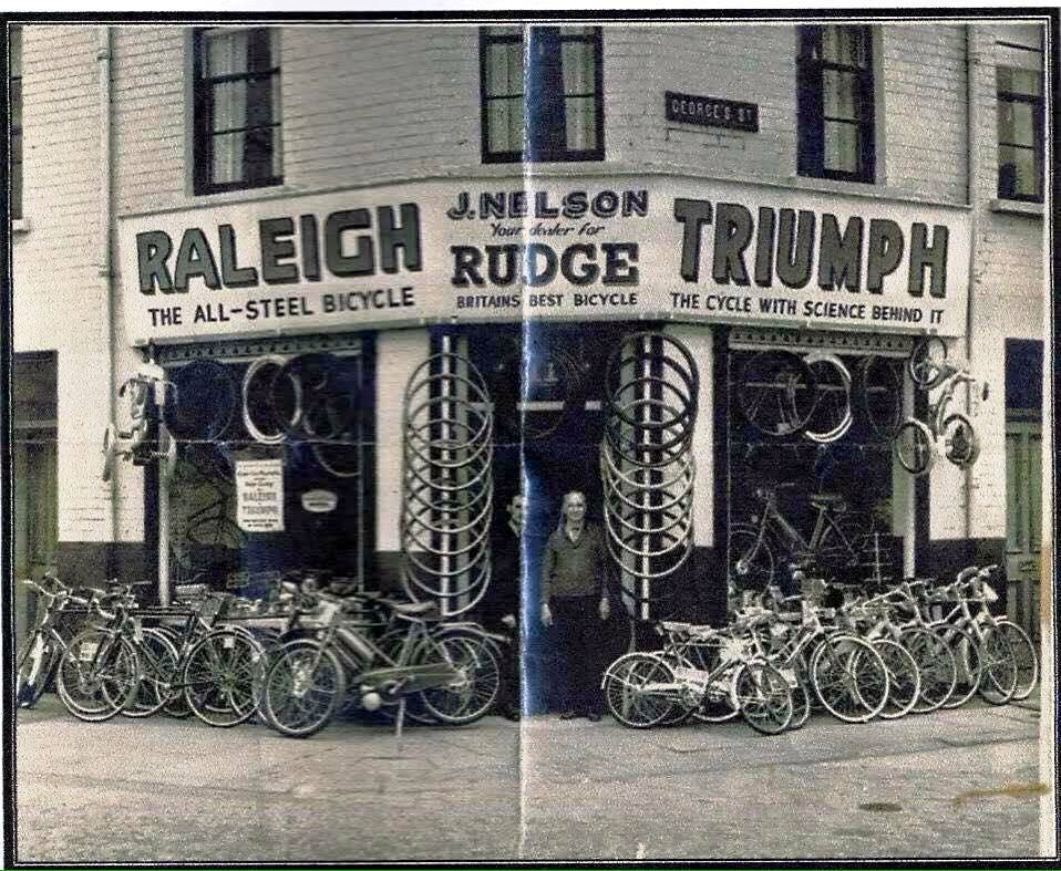 Bicycle Antiques Shop Raleigh Steel Bicycle Bicycle Shop Antique Shops