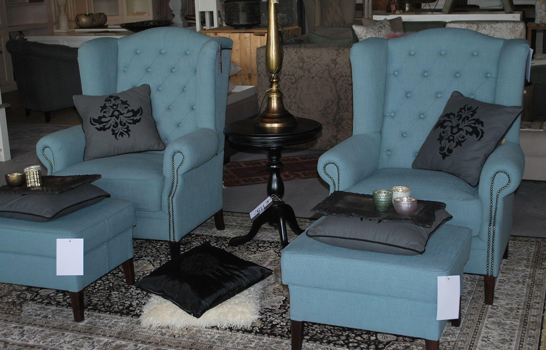 Turquoise oorfauteuil met capiton nu in de aanbieding bij for Aanbieding meubels