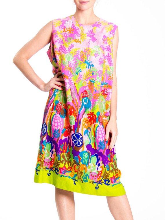 midi length 1960s party dress boho chic sleeveless size medium summer size large colorful Vintage graphic print dress