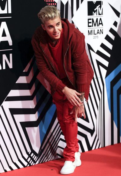 October 25: [More] Justin at the 2015 MTV EMA's in Milan, Italy