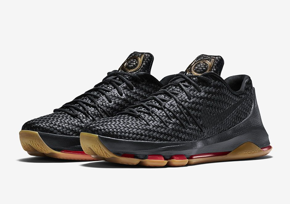 Nike is getting ready for its first EXT entry to its KD 8 lineup. The EXT  series is Nike Sportswear's take on Nike Basketball performance sneakers,  giving