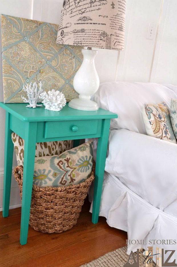 End Table Makeover Valspars PANTONEs Emerald Green Paint