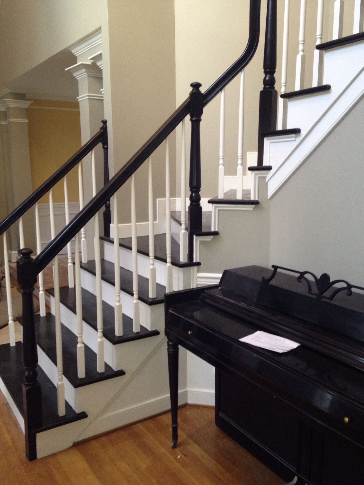 Best Foyer Wall Color Sw Gateway Gray Trim White Treads 400 x 300