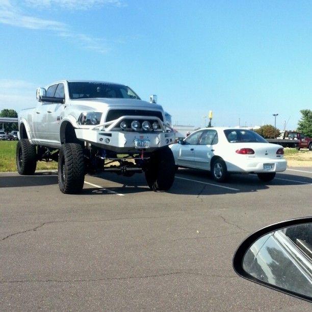 www.DieselTruckGallery.com Lifted Dodge Ram Cummins Diesel Sittin high
