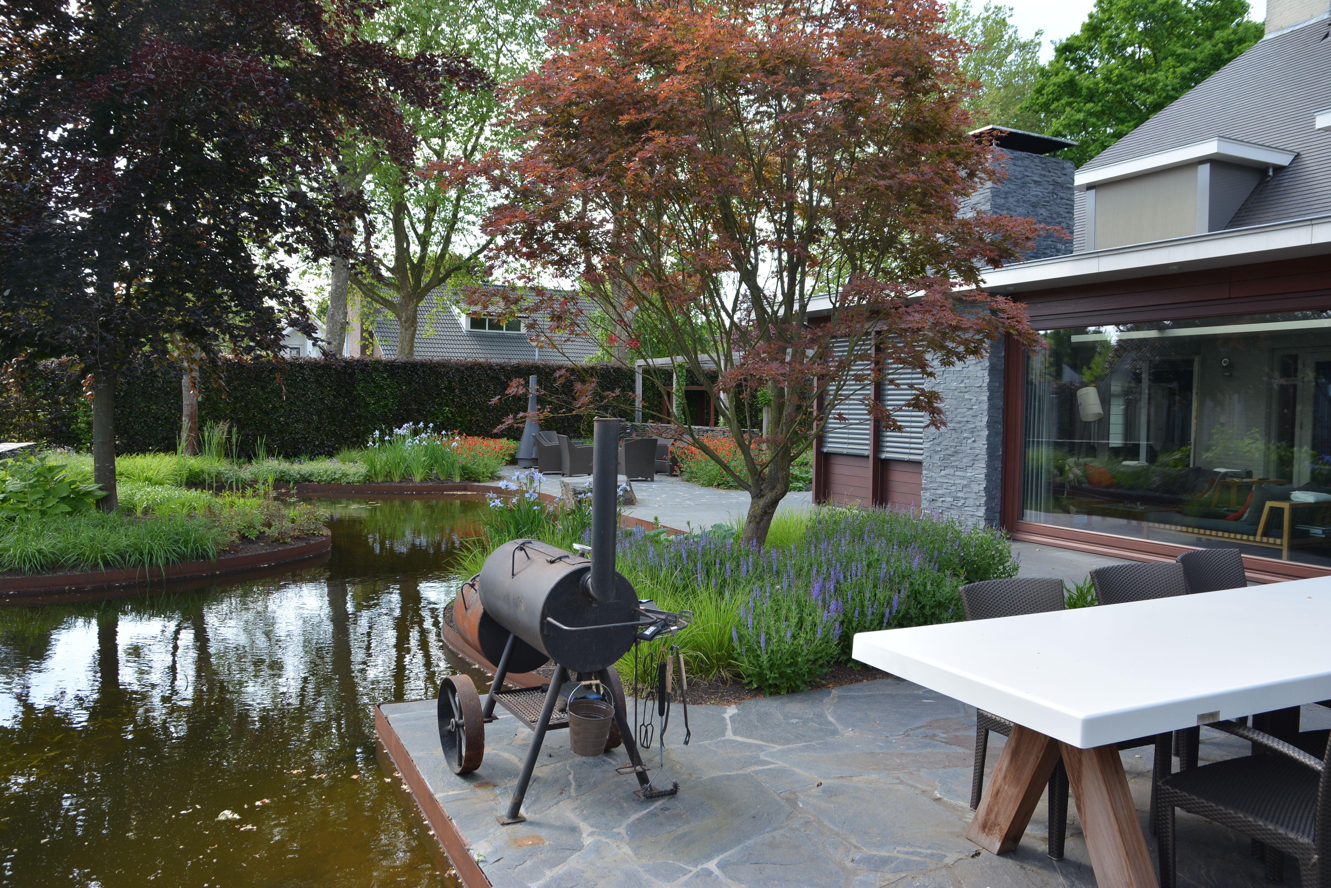Voorbeeldtuinen Kleine Tuin : Fons linders tuinmeesters terras terras tuinterras