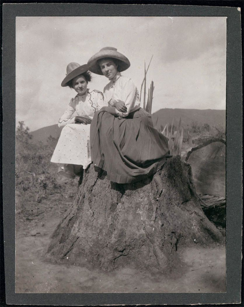 vintage cowgirls | Vintage cowgirl, Western photo, Cowgirl