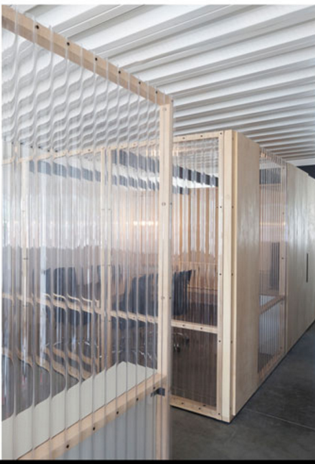 Clear Corrugated Plastic Partitioning ポリカ 店舗デザイン