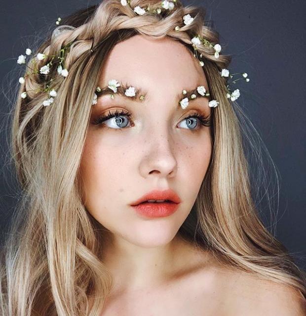 Новый бьюти-тренд: брови украшенные цветами и листьями покорили Инстаграм